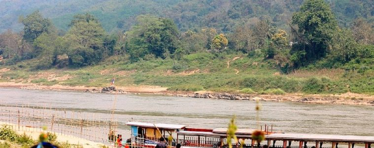 slow-boat-tour-in-laos